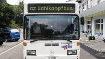 Zum Auftakt seiner Reise durch den Aargau, steuert der az-Wahlkampfbus Neuenhof an. Foto: Emanuel Freudiger