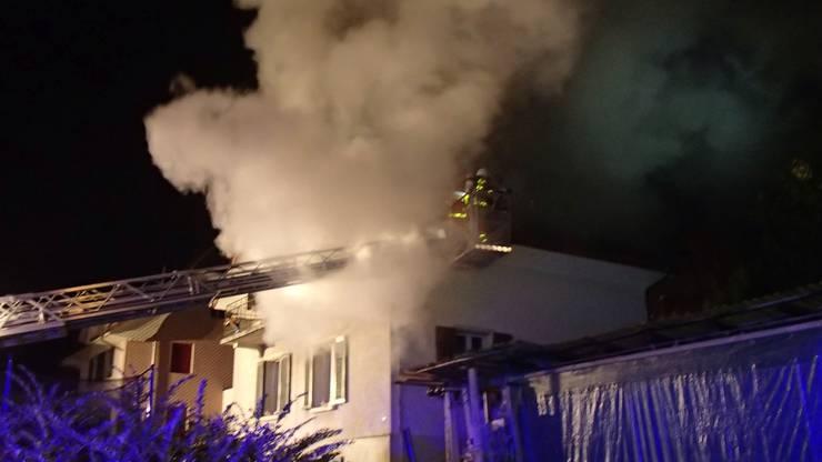 Eine 30-jährige Mutter wird verdächtigt, den Brand gelegt zu haben.