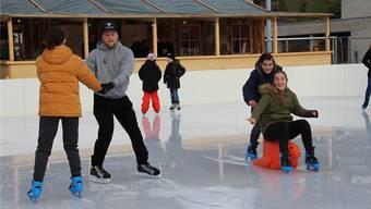Das Eisfeld in Döttingen wird noch bis 27. Januar 2019 betrieben. Die Initianten ziehen bereits jetzt eine positive Bilanz.