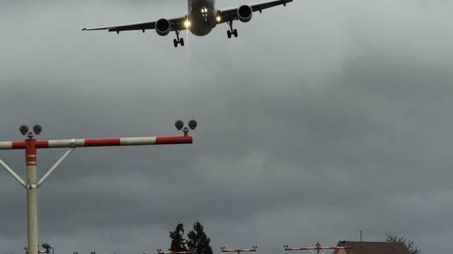Flugzeug in Kloten (Symbolbild)