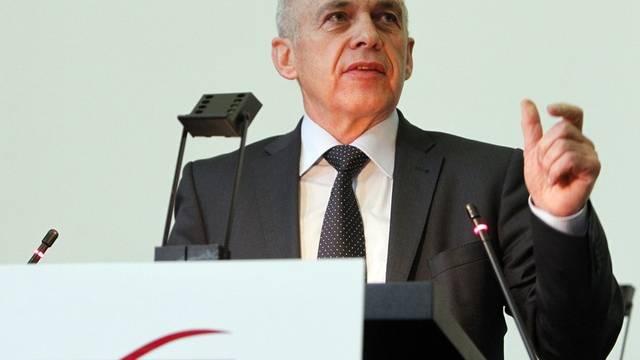 Bundesrat Maurer spricht vor der Schweizerischen Offiziersgesellschaft