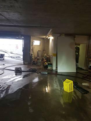 Zur Explosion kam es um 16.15 Uhr im Abstellraum eines Mehrfamilienhauses.