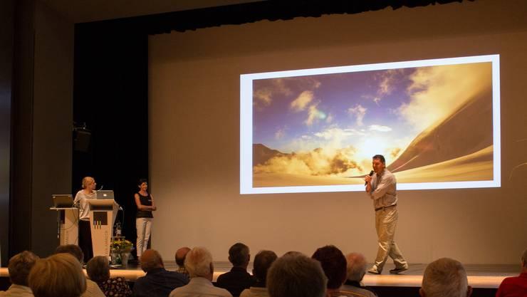 Zum  Abschluss informierte Arzt und Expeditionsleiter Urs Hefti und seine Frau,  Pneumologin Jacqueline Pichler Hefti, über Höhenmedizinische Forschung im Grenzbereich. Sie erläuterten anschaulich, wie für Forschungszwecke am über 7'100 Meter hohen Himlung Himal in Nepal an rund einem Dutzend Probanden Blutgas-Analysen vorgenommen wurden.