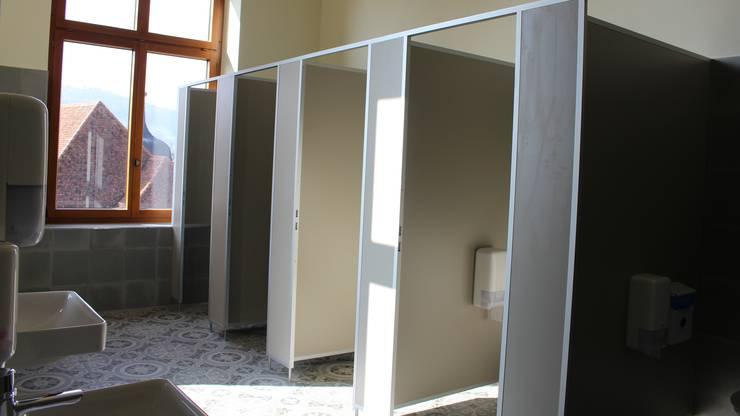 Topmodern aber auf alt gemacht: die neuen Toilettenanlagen.