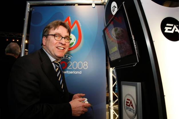 Die Fussball-Europameisterschaft bietet Urs Wüthrich die Gelegenheit, sich für einmal als Baselbieter Sportminister in Szene zu setzen, und sei es nur an der Spielkonsole. Das neunte Stadion entpuppt sich aber als Flop.