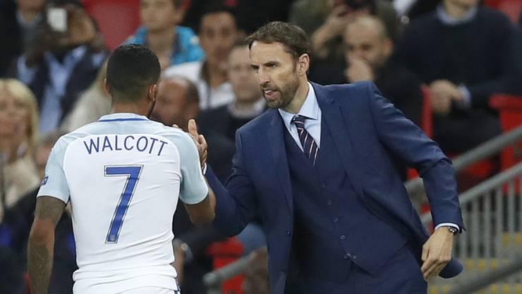 Der neue Interimstrainer Gareth Southgate hat mit Englands Nationalmannschaft ein erfolgreiches Debüt gefeiert