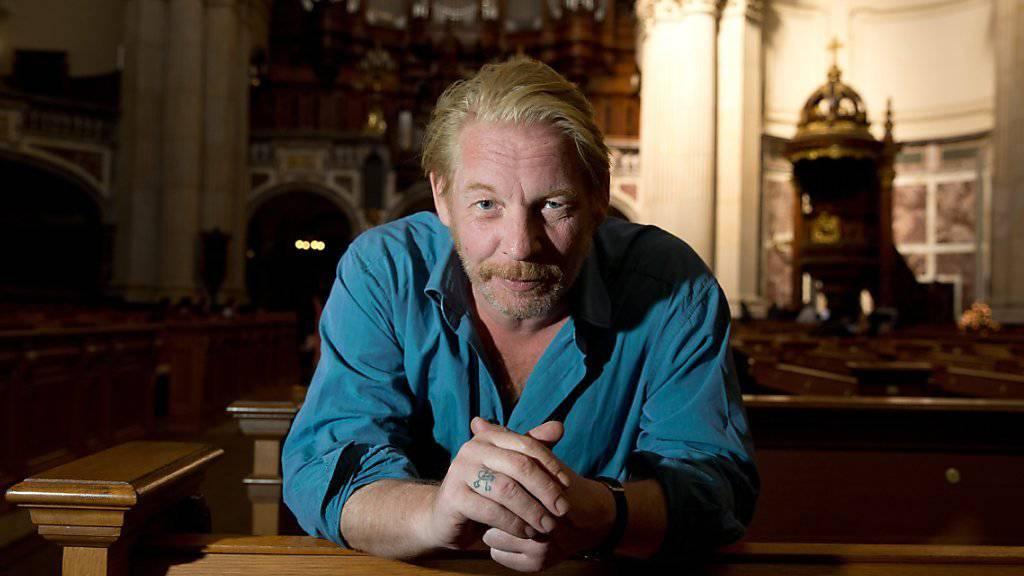 Schauspieler Ben Becker ist im Herzen ein Punk geblieben. Hier posiert er im Berliner Dom, wo im November sein neues Stück aufgeführt.