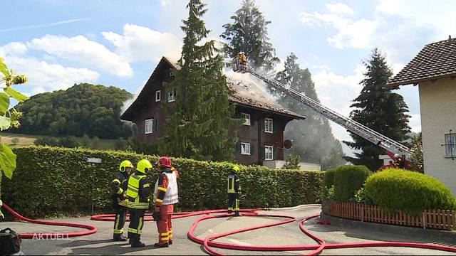 Grossbrand von Mehrfamilienhaus in Reiden