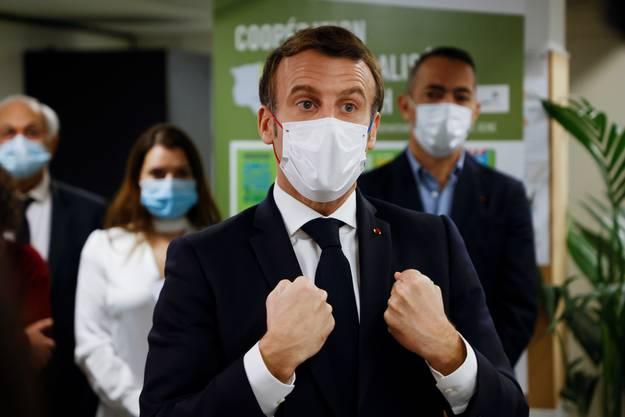 Präsident Emmanuel Macron spricht vor den Medien im November 2020. (Bild: Keystone)