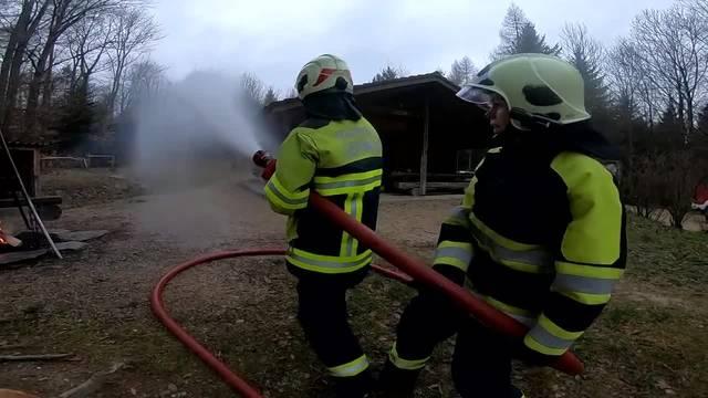 Übung der Feuerwehr LePiMe (Lengnau-Pieterlen-Meinisberg) unter dem Titel «Der Walt brennt»