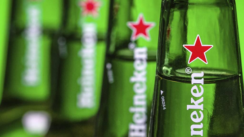 Bierbrauer Heineken will 8'000 Jobs streichen. (Archiv)