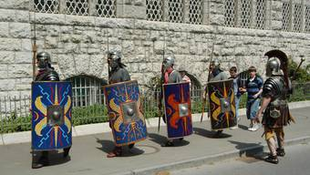 Römische Legionäre vor dem Vindonissamuseum in Brugg