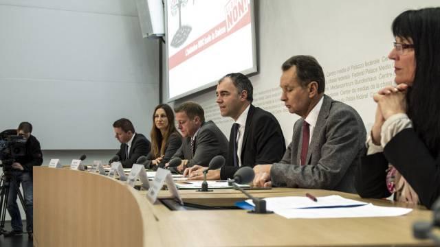 """An der Medienkonferenz gegen die """"SVP-Abschottungsinitiative"""""""