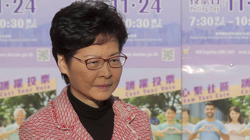 Hongkongs Regierungschefin denkt «ernsthaft» über Schlappe nach