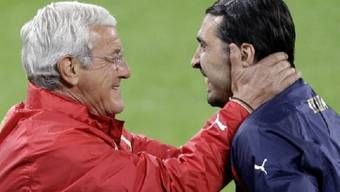 Coach Marcello Lippi hofft auf eine baldige Rückkehr seines Stammkeepers Gianluigi Buffon
