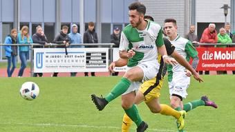 Yanick Oumaray bringt den FC Härkingen in der 9. Minute in Front.  Remo Fröhlicher