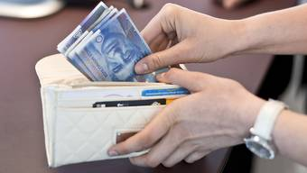Nicht bei allen ist das Portemonnaie gleich voll; die Unterscheide haben sich indes 2007 bis 2012 ein wenig abgeschwächt. (Symbolbild)