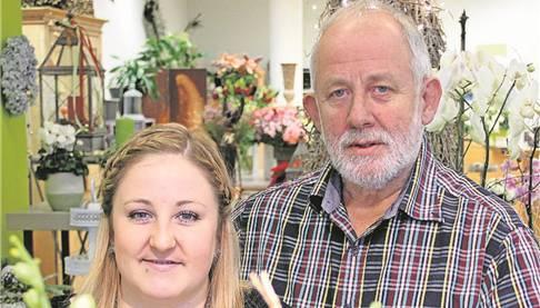 Peter Kern und Celine Wiedemeier vom Blumengeschäft Leuenberger