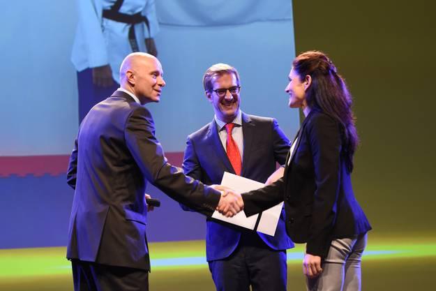 Ebenfalls anwesend war Sportminister Conradin Cramer (Mitte), der die Preise überreichte.