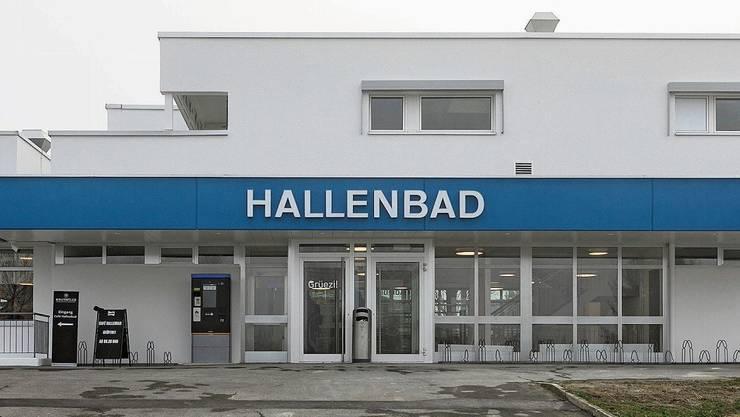 Für die Öffentlichkeit geschlossen: Im Seoner Hallenbad findet momentan nur Schwimmunterricht statt.