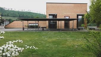 An der Primarschule in der Laufentaler Gemeinde Zwingen wollte auch in den Sommerferien keine Ruhe einkehren.