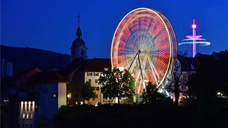Das Riesenrad auf dem Klosterplatz gehört seit je zur Oltner Chilbi. Dieses Jahr gab es aber eine spezielle «Heimat»-Gondel.