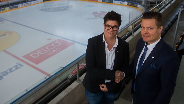 Lugano-Präsidentin Vicky Mantegazza mit dem neuen Coach Sami Kapanen in der Resega