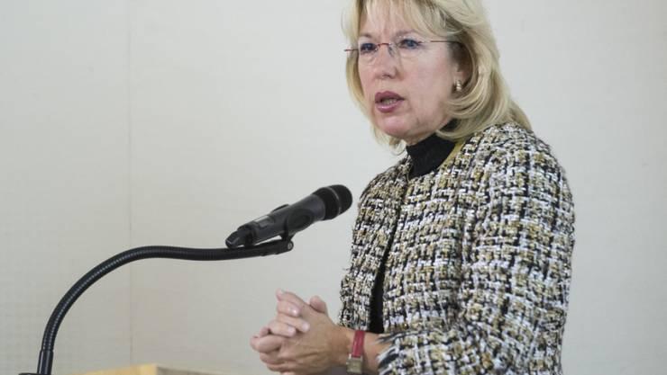 Jacqueline de Quattro, Vorsteherin des Waadtländer Departements für Umwelt und Raumplanung, wehrt sich gegen ein kritisches Buch. (Archiv)