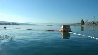 Die Badesaison wird dieses Jahr um neun Wochen verlängert. Hier im Bild: Das Seebad Enge. (Archiv)