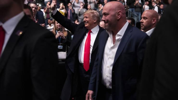 Beim Besuch eines Kampf-Wettbewerbs in New Yorks Sportstätte Madison Square Garden wurde Trump ausgebuht.