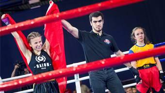Nachdem sie den ersten Final verloren hatte, wurde die Flumenthalerin Alisha Aebi Kickbox-Weltmeisterin in der Kategorie U15, bis 45 Kilogramm.
