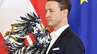 Gernot Blümel (ÖVP), Finanzminister von Österreich, nimmt an einem Regierungstreffen mit Wirtschaftsexperten im Bundeskanzleramt teil. Foto: Hans Punz/APA/dpa