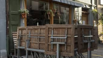 Der Betrieb rentiert nicht mehr: Kommen die neuen Regeln und müssen Restaurants ab 19 Uhr schliessen, werden einige gleich den ganzen Tag zu bleiben.