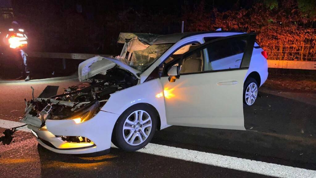 Mehrere Polizeipatrouillen verfolgen Autodieb über Autobahn