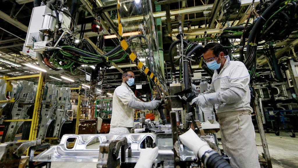 Italiens Industrieproduktion fällt auch im April drastisch