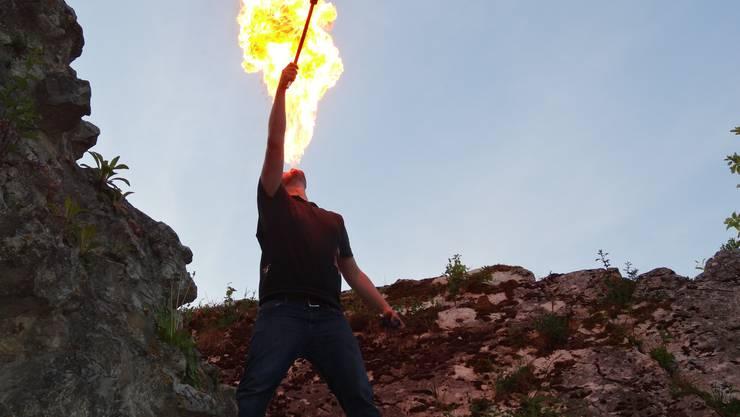 Die Truppe vom Stein!-Spektakel ist Feuer und Flamme für ihr Projekt