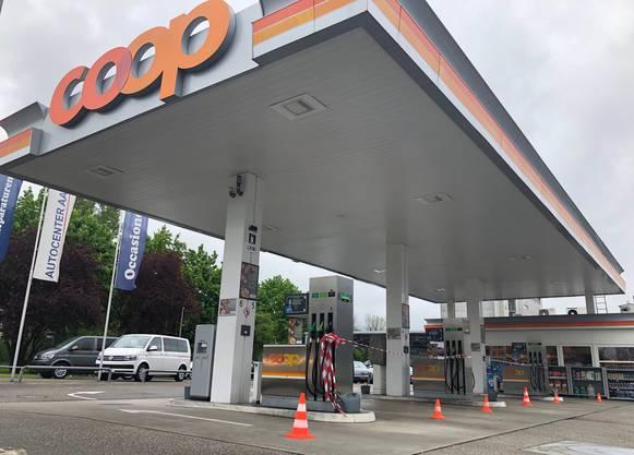 Eine Tankstelle in Aarau.