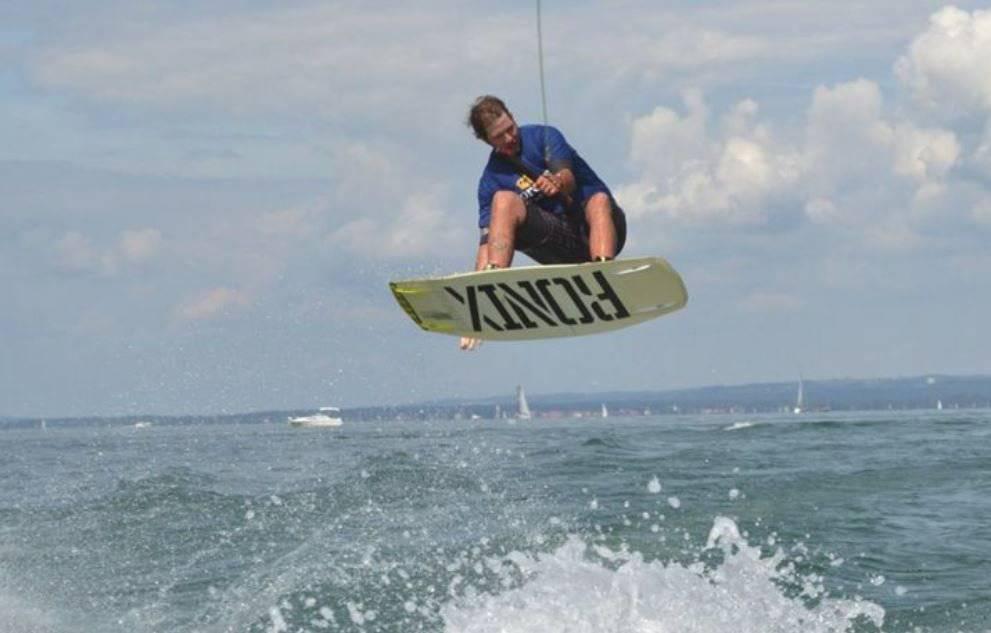 Die Strandfestwochen künden eine Wakeboardshow der Extraklasse an.