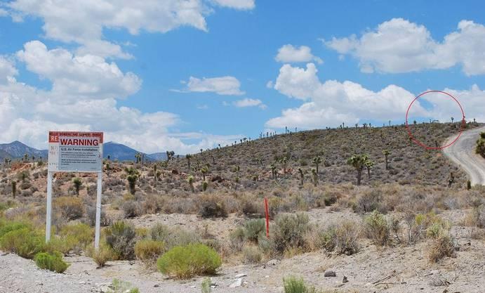 «Cammo dudes»: Auf Hügeln postiertes Sicherheitspersonal hat potentielle Eindringlinge im Blick.