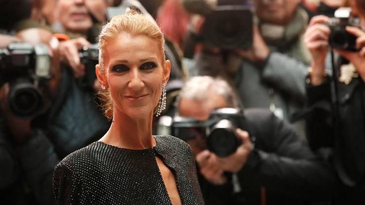 Céline Dion will beweisen, dass es auch ohne ihren verstorbenen Mann geht.