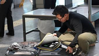 Fast hätten die USA das Mitführen von Laptops und Tablets auf Flügen in die Vereinigten Staaten verboten. Stattdessen verlangt sie von den Flughäfen strengere Kontrollen. (Themenbild)