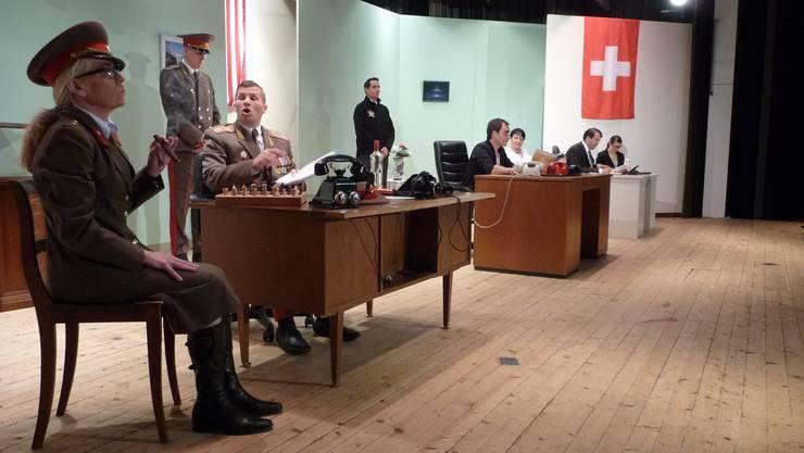 Die Mächtigen dieser Welt mit ihren Sekretärinnen: Russland, USA und die Schweiz.apb