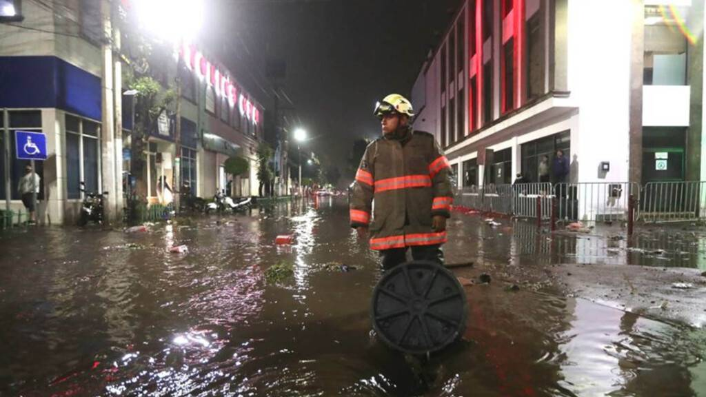 Krankenhaus in Mexiko überschwemmt: Mindestens 16 Tote