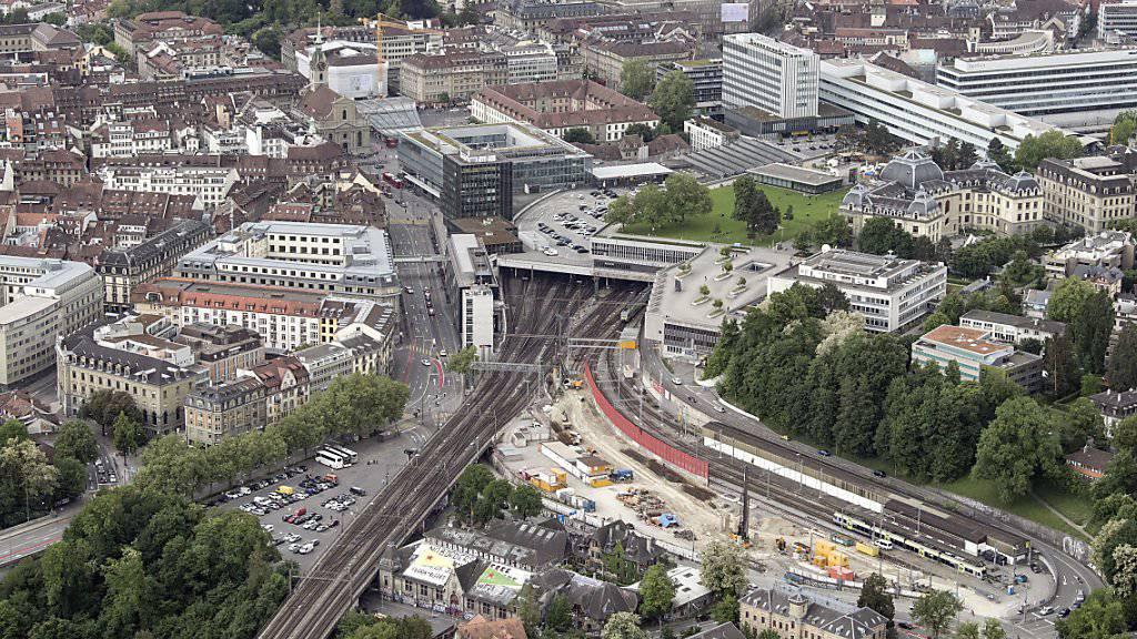 Unterbruch im Bahnverkehr: Eine Störung an der Bahnanlage legte den Bahnhof Bern am Donnerstagmittag lahm.