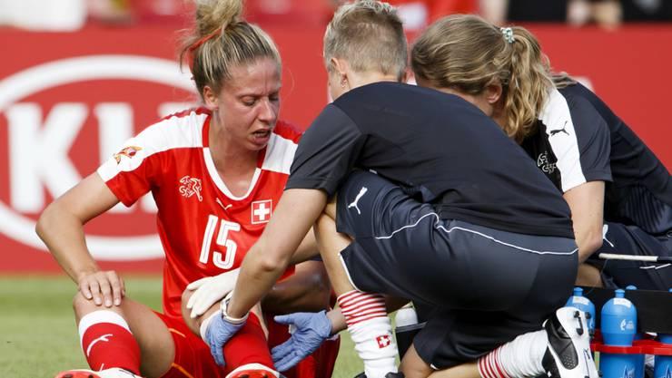 Der Einsatz von Captain Caroline Abbé gegen Island ist fraglich