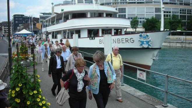 Schifffahrt inklusive gemütlichem Mittagessen auf dem Thunersee.