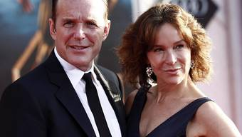 Ehe-Aus nach 19 Jahren: Clark Gregg (links) und die US-Schauspielerin Jennifer Grey gehen künftig getrennte Wege. (Archivbild)