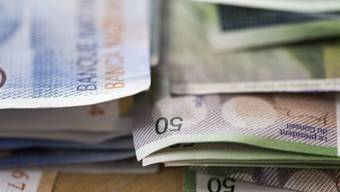 Wegen deutlich höheren Steuereinnahmen als geplant verzeichnet der Kanton einen Überschuss von über 430 Millionen Franken. (Symbolbild)