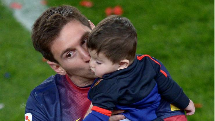 Lionel Messi mit seinem Sohn