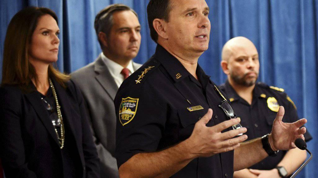 Sheriff Mike Williams: «Es ist schwer vorstellbar, was sie durchmacht, wenn man sich vor Augen führt, dass sie die ganze Zeit dachte, die Entführerin ist ihre Mutter.»